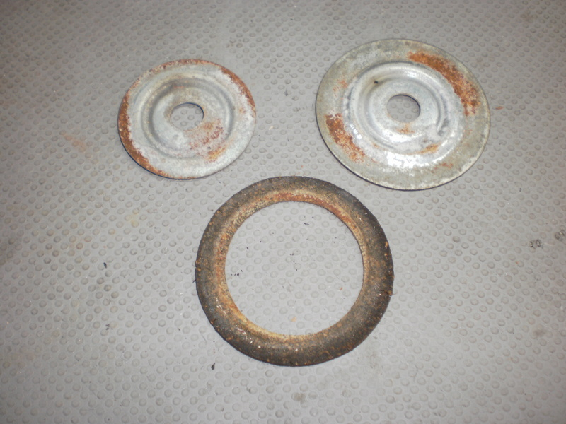 Changement du joint liège de bouchon de réservoir sur série 5/6 P1220716