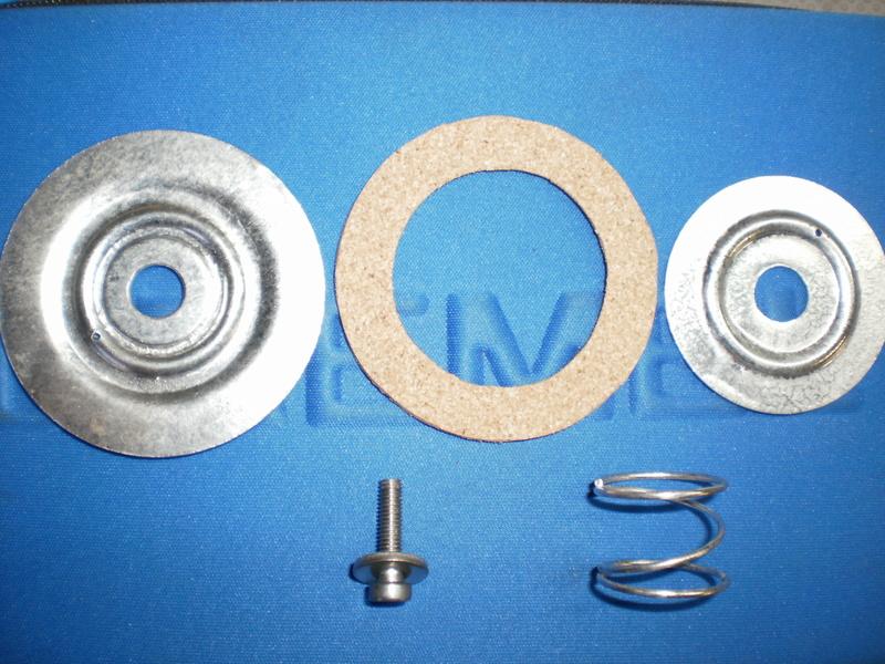 Changement du joint liège de bouchon de réservoir sur série 5/6 P1220719