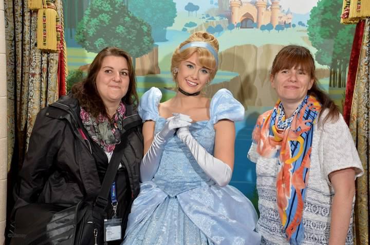Une petite journée à Disney et une très belle rencontre à la clé - Page 2 14585510