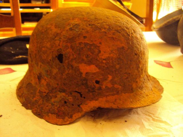 Reste de casque Allemand ww2 Dsc02211