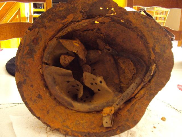 Reste de casque Allemand ww2 Dsc02212