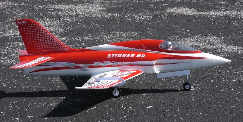 A Stricker Model Airplane Weekend, Gusty Winds, and an 'Out of the Blue' Nobler 8_0110