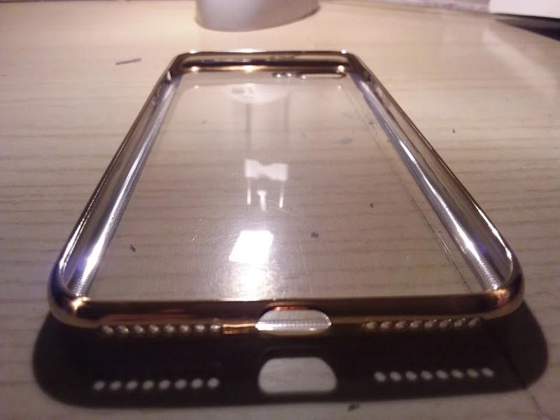 Recensione cover oro iPhone 7 Plus Ubegood Cover_12