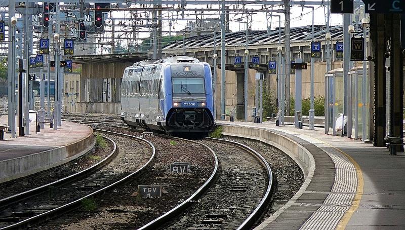 De la gare de Valence ville à la gare du Teil P1110722