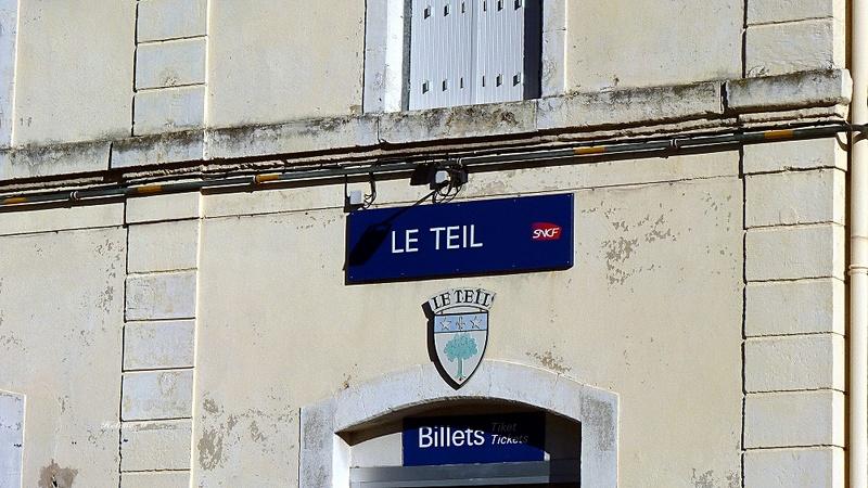 De la gare de Valence ville à la gare du Teil P1110819