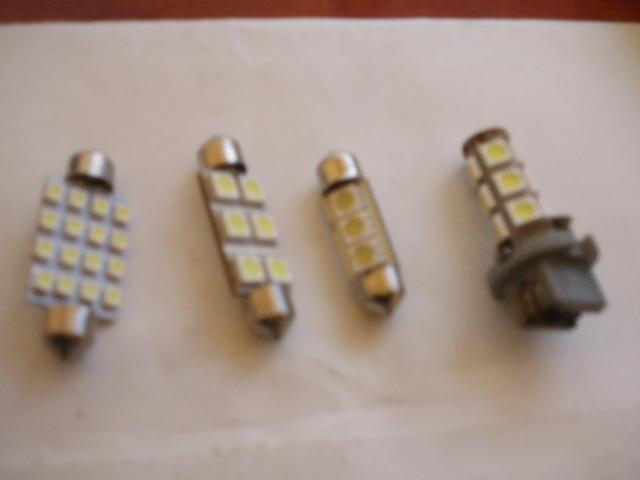 [S4-2005] HELP! Quelle type de LEDS (ref et nombre) pour les S4-RG P1017016