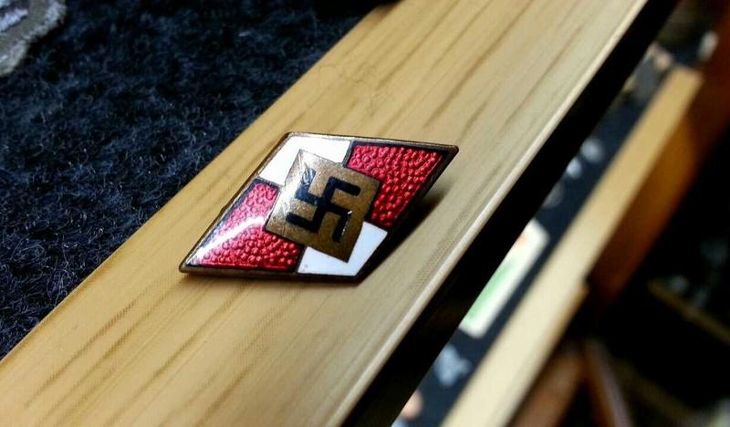 Insigne HJ 14744910