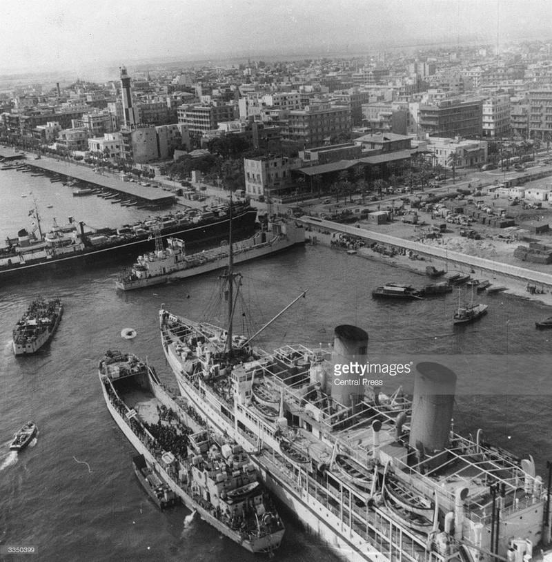 La crise de Suez: 20 octobre 1956 au 7 novembre 1956 - Page 2 12th-n10