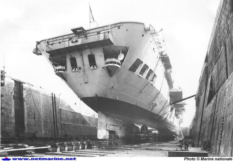 Porte-avions classe COLOSSUS britannique. Arroma14