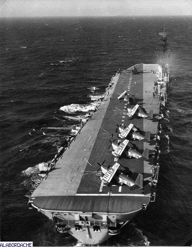 Porte-avions classe COLOSSUS britannique. Arroma16