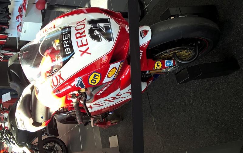 Ducati 999 et 749  - Page 4 Wp_20110