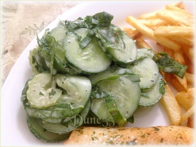 Salade de concombre épinards et basilic 3buhae10