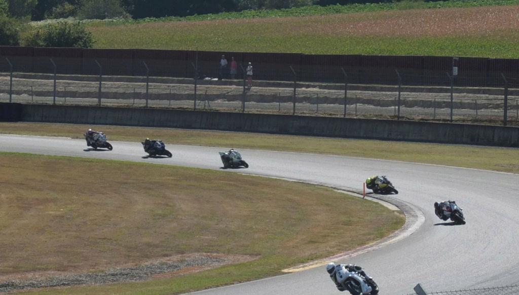 [Pit Laners en course] Carnet de piste d'Alex (saison 3 ... et le titre au bout!) - Page 2 Course33