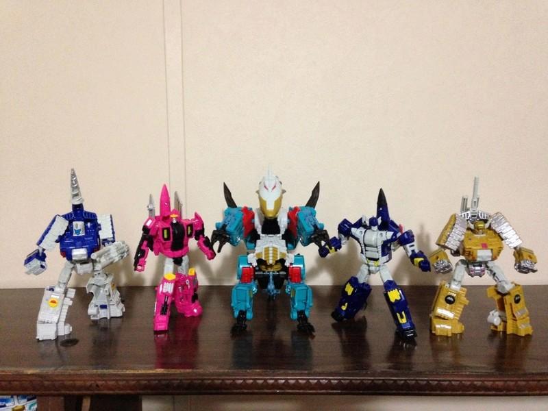 Jouets Transformers Generations: Nouveautés Hasbro - partie 2 - Page 37 Groupe11