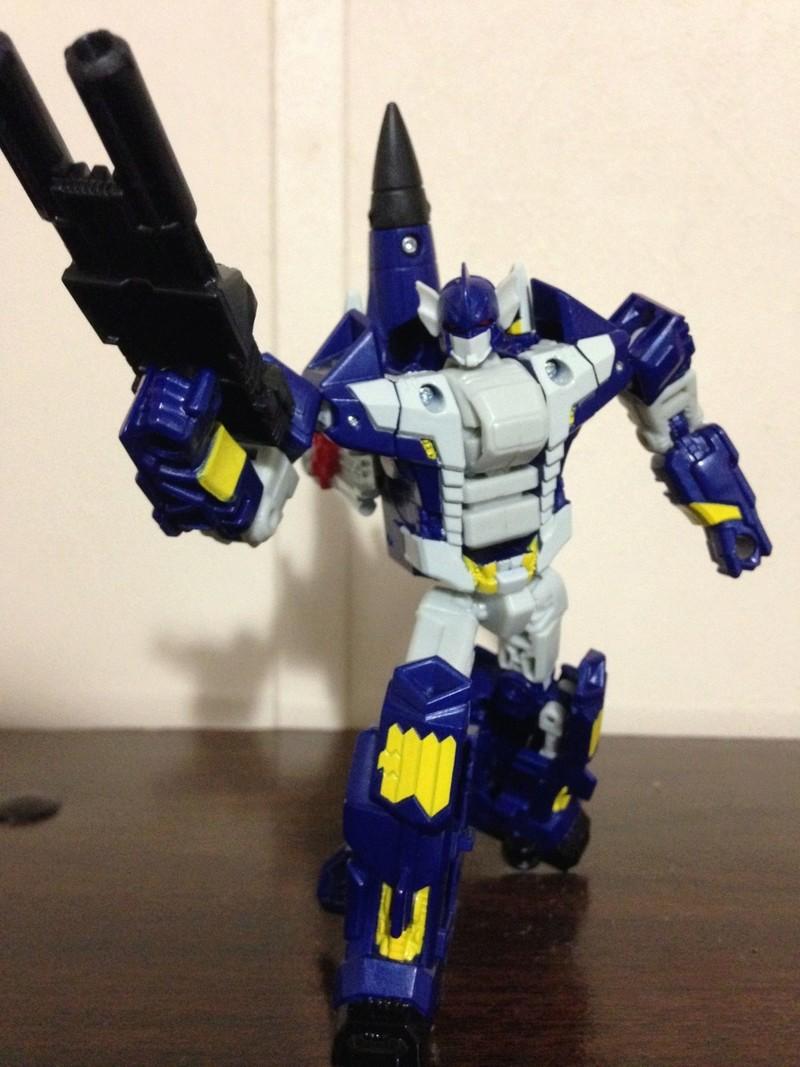 Jouets Transformers Generations: Nouveautés Hasbro - partie 2 - Page 37 Hellba11