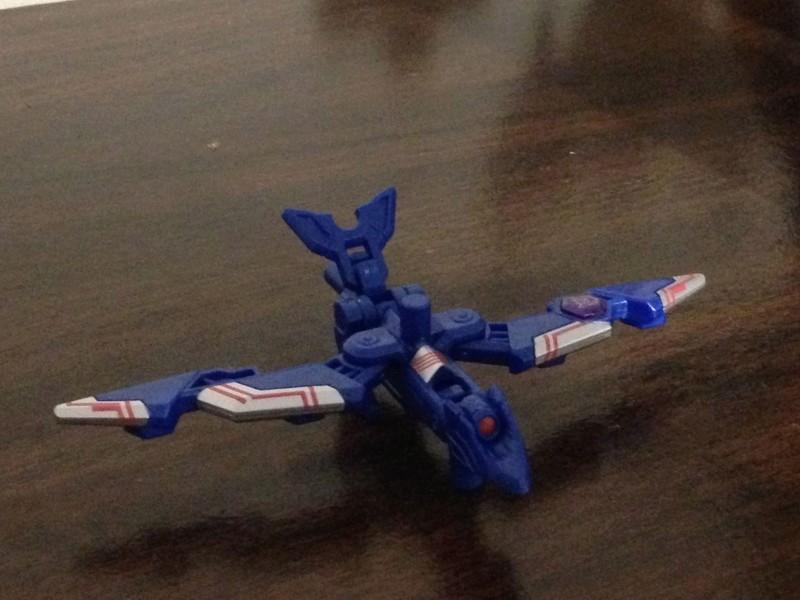 Jouets Transformers Generations: Nouveautés Hasbro - partie 2 - Page 37 Iron_s10