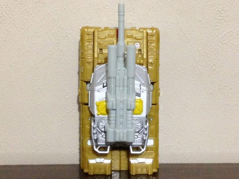 Jouets Transformers Generations: Nouveautés Hasbro - partie 2 - Page 37 Killbi10
