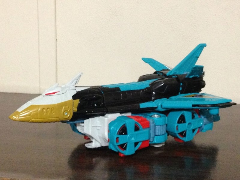 Jouets Transformers Generations: Nouveautés Hasbro - partie 2 - Page 37 Leozac10