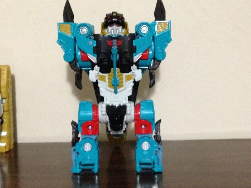 Jouets Transformers Generations: Nouveautés Hasbro - partie 2 - Page 37 Leozac13
