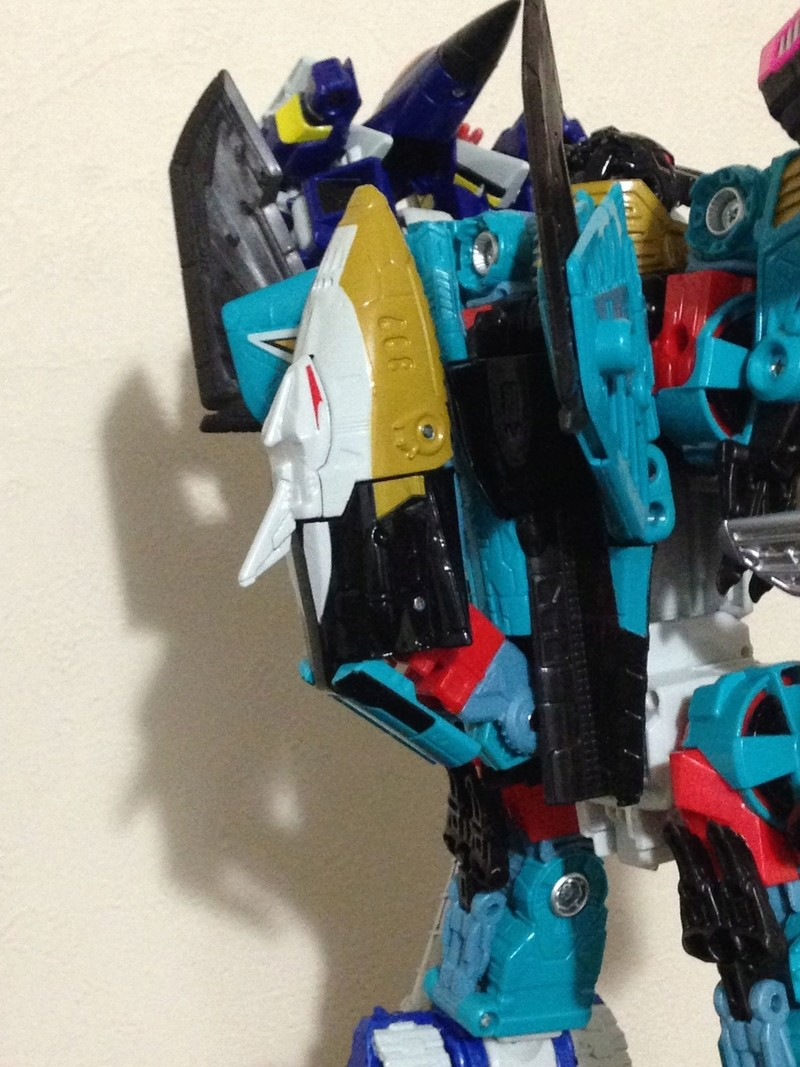 Jouets Transformers Generations: Nouveautés Hasbro - partie 2 - Page 37 Liokai10