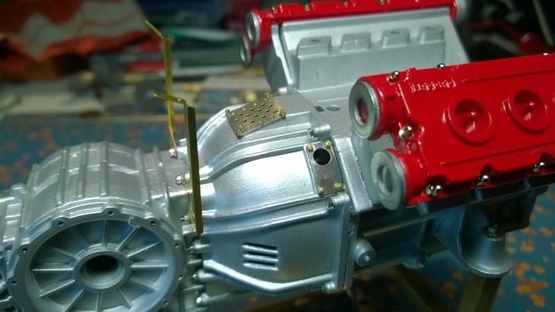 Ferrari F40 von Pocher 1:8 mit autograph Transkit gebaut von Paperstev Motor010