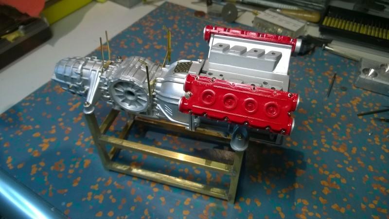 Ferrari F40 von Pocher 1:8 mit autograph Transkit gebaut von Paperstev Motor013