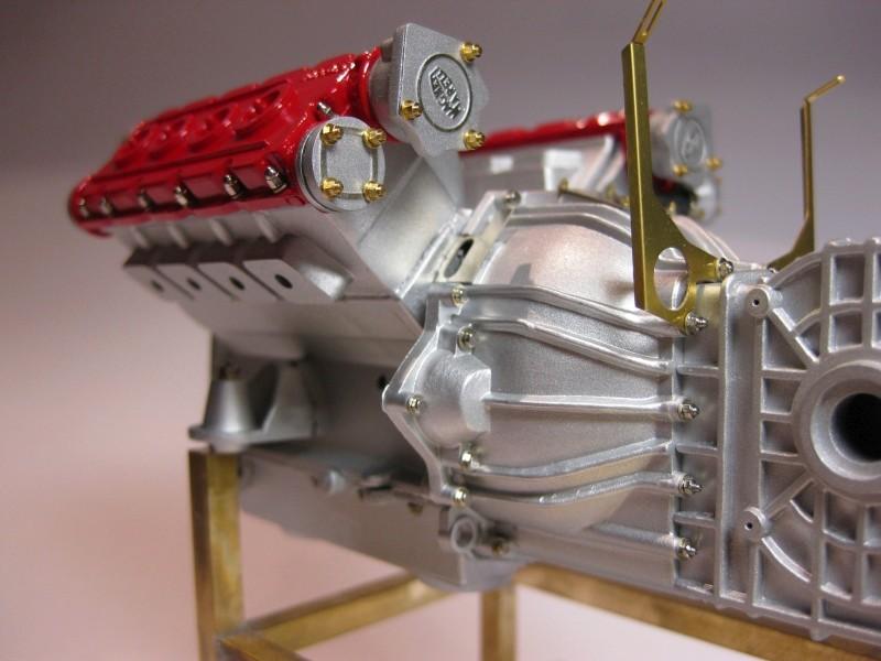 Ferrari F40 von Pocher 1:8 mit autograph Transkit gebaut von Paperstev Motor014