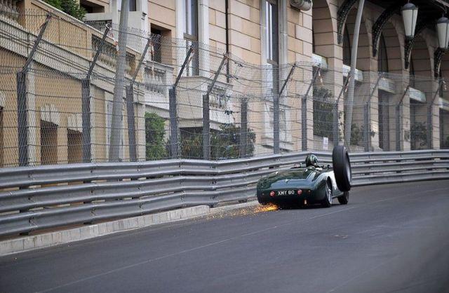 HUMOUR - Photos prises pil poil... - Page 6 Jaguar10