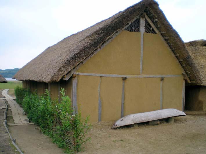 Germanenhaus zur Figurengröße 7 cm 019b1_10