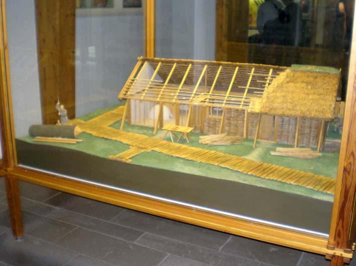 Germanenhaus zur Figurengröße 7 cm Haitha16
