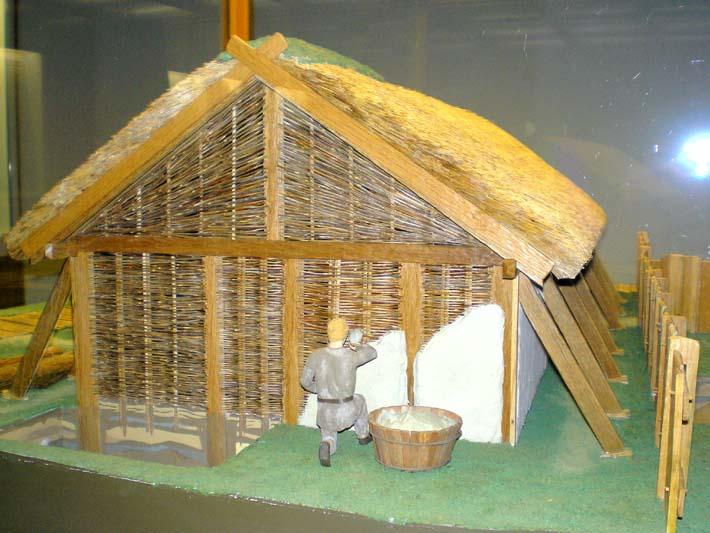Germanenhaus zur Figurengröße 7 cm Haitha17