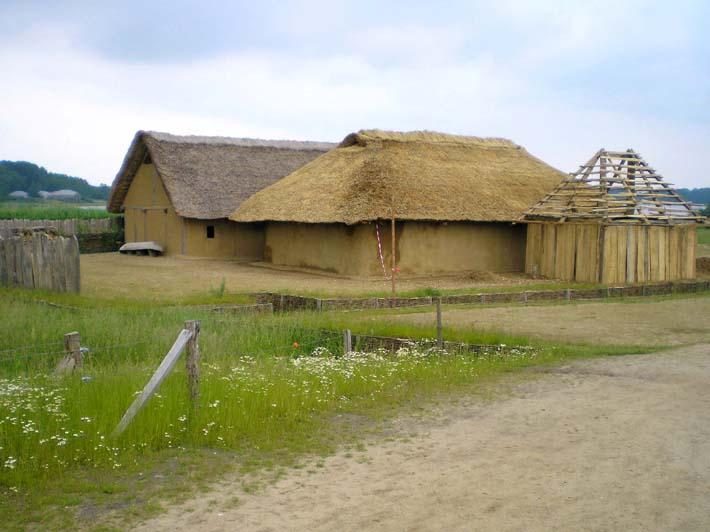 Germanenhaus zur Figurengröße 7 cm Haitha18