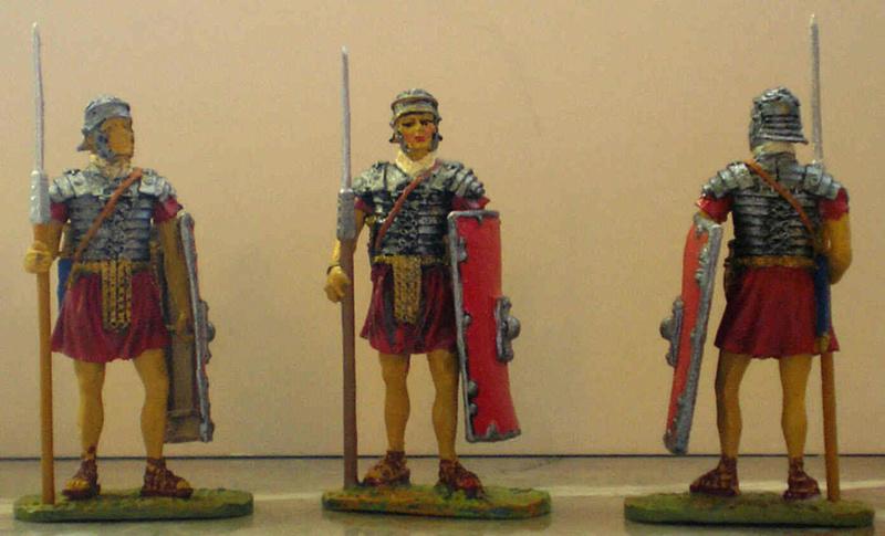 Bemalung von Römern Pb250011