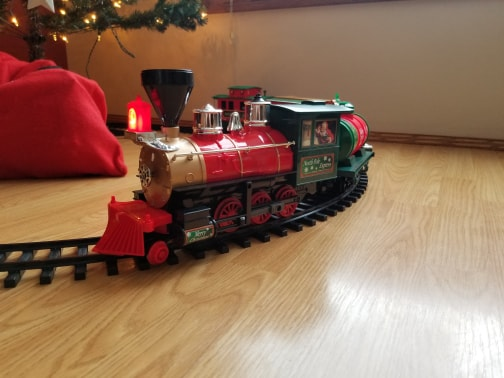 Christmas Train Has Arrived 79080010