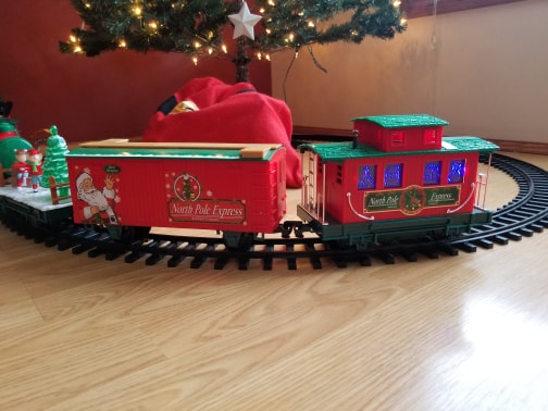 Christmas Train Has Arrived 80081310