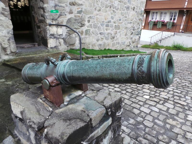 Un beau canon en bronze 20160812