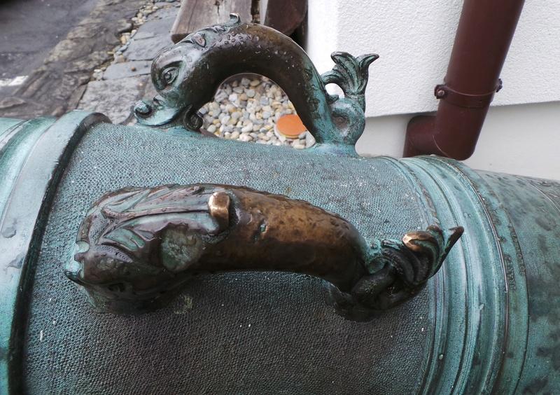 Un beau canon en bronze 20160818