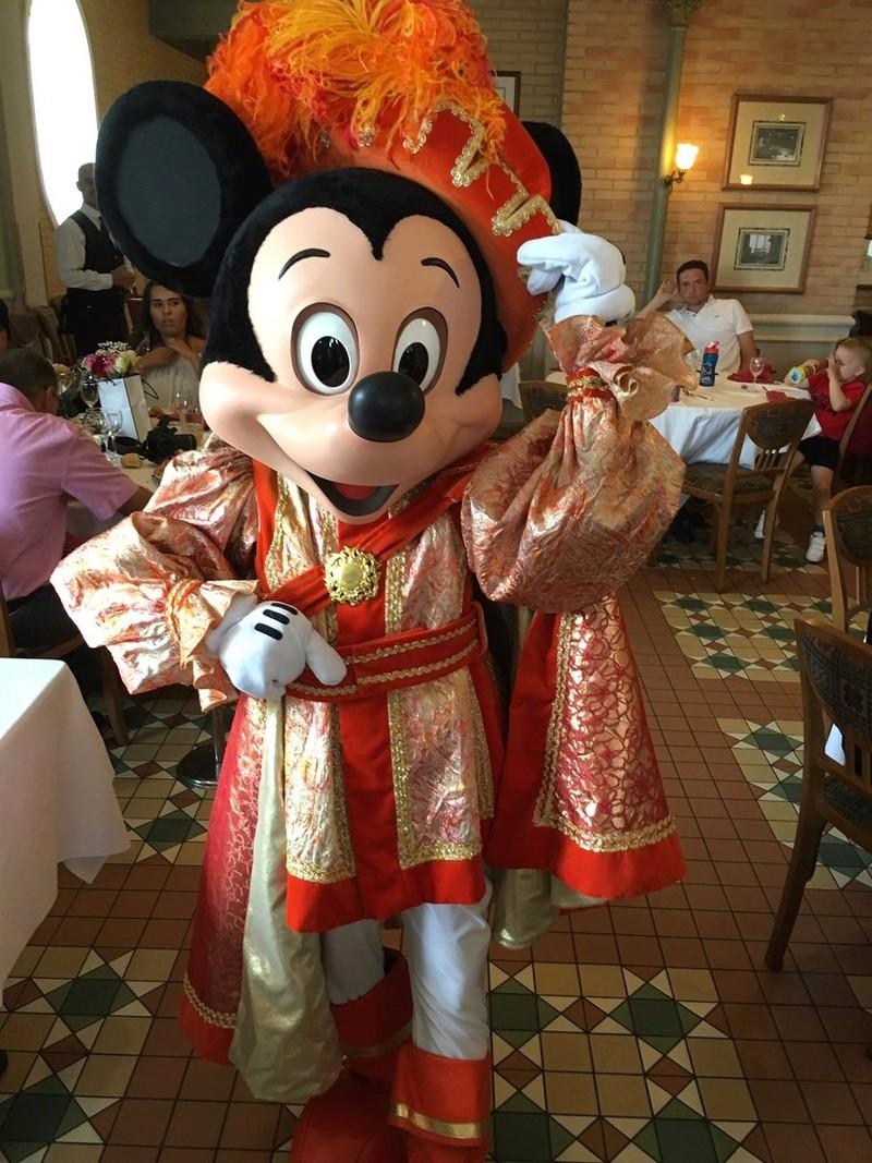 Brunch domenicale al Disneyland Hotel - Pagina 10 00521