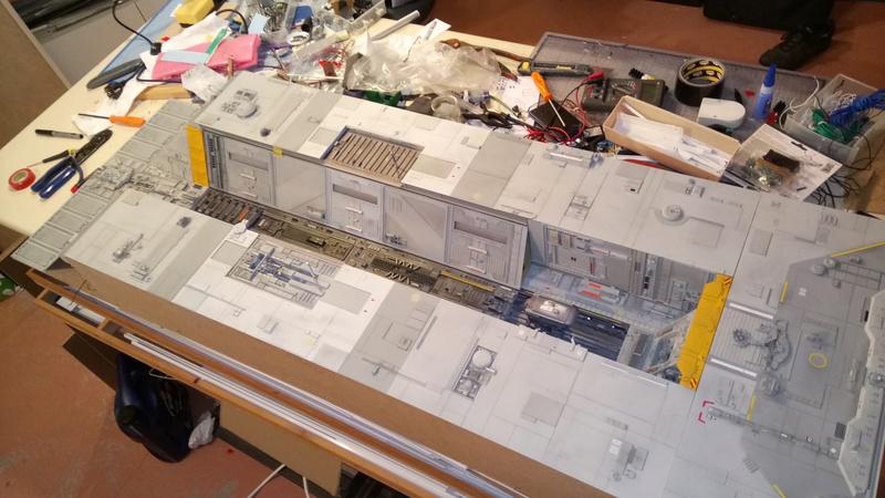 Fregate de combat au 1/200 - Page 4 Dsc_1013