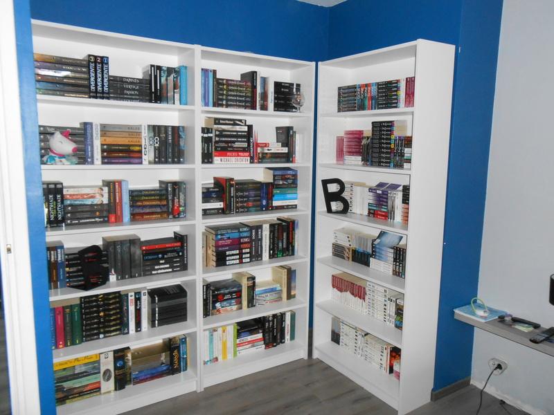 Photos - Et si on se montrait nos bibliothèques ? - Page 4 Dscn0915