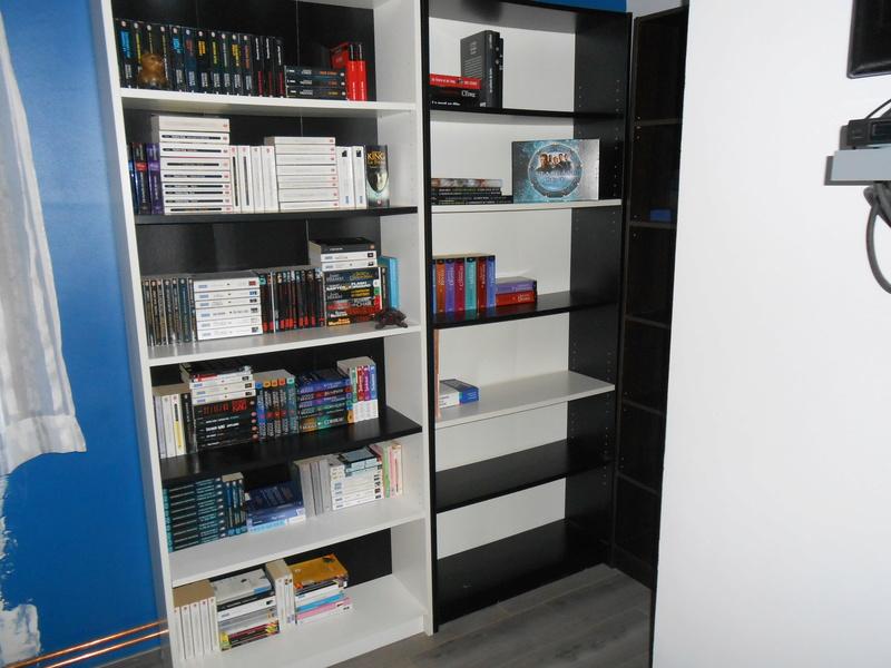 Photos - Et si on se montrait nos bibliothèques ? - Page 4 Dscn0916