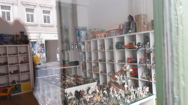 Shop for used animal figures by Schleich and other brands in LEIPZIG 20160821