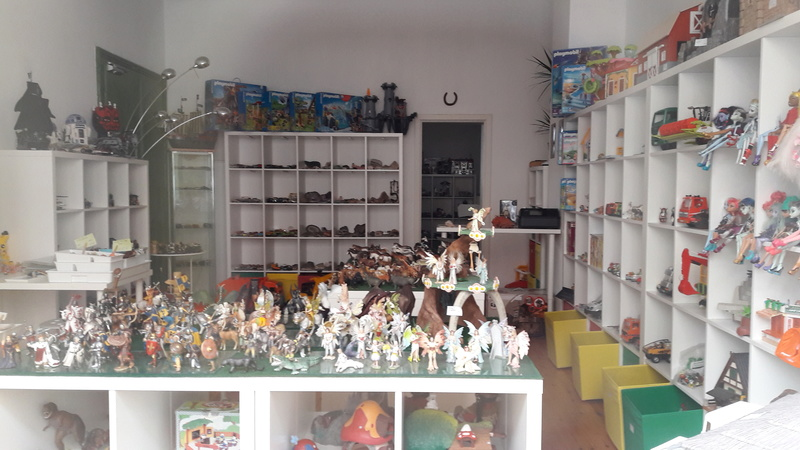 Shop for used animal figures by Schleich and other brands in LEIPZIG 20160823