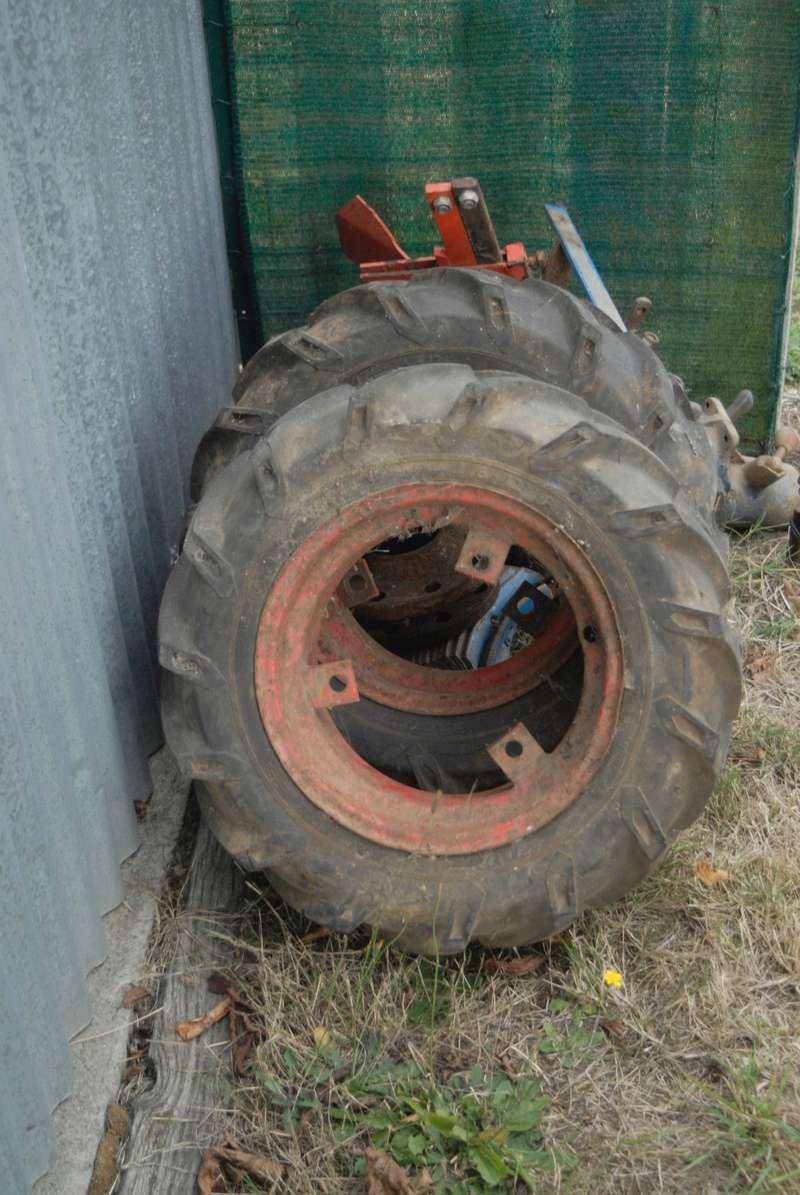 (Vends) outils, accessoire micro tracteur Motostandard Gutbrod _sim0027