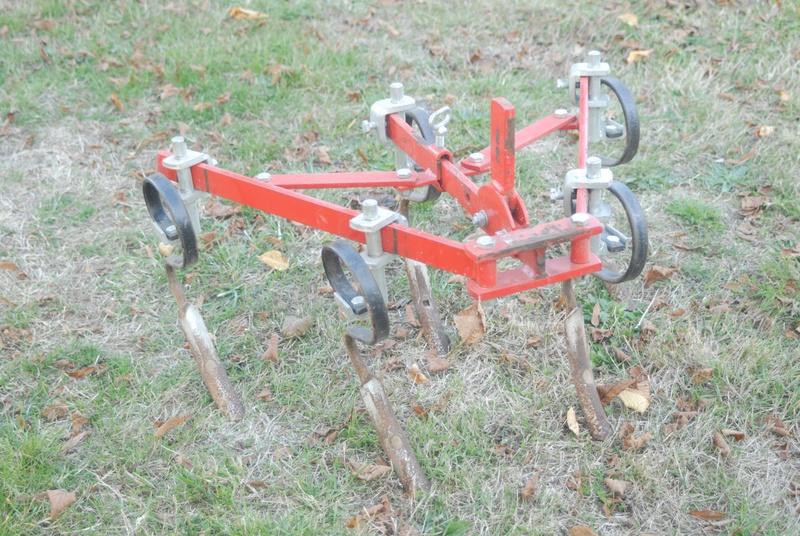 (Vends) outils, accessoire micro tracteur Motostandard Gutbrod _sim0034