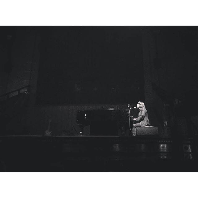 10/27/15 - Manchester, England, Albert Hall  1419