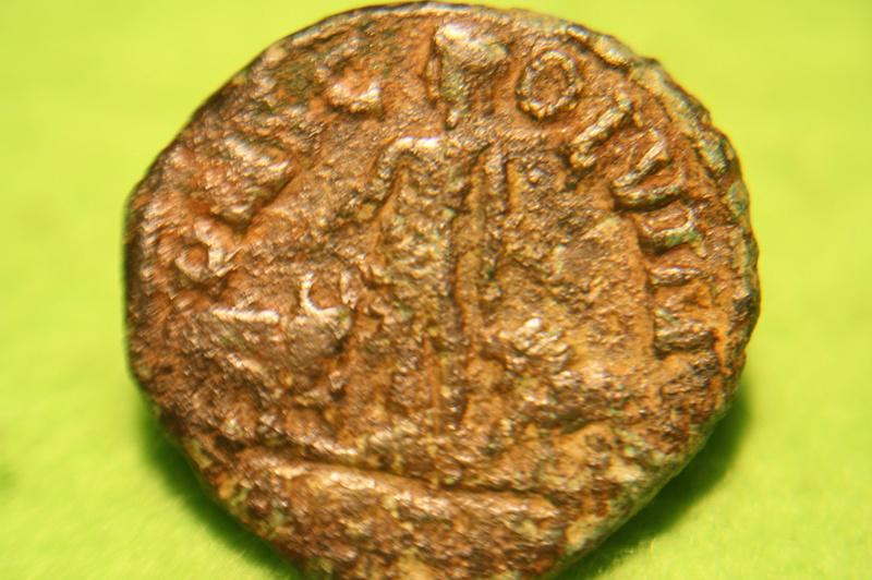 Bronze colonial d'Hostilien pour Vinimacium en Moésie Supérieure Img_0611