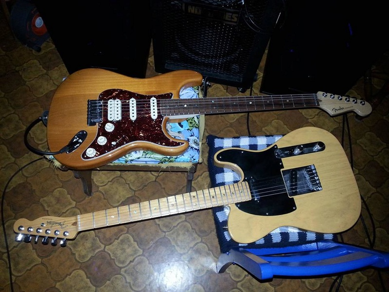 Stratocaster ou telecaster ou ... ?  12516311