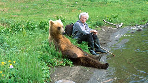 Histoires de corbeaux et d'ours Walkin10