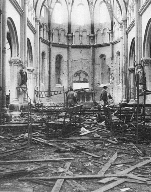 [Opérations de guerre] INDOCHINE - TOME 10 - Page 39 Eglise10